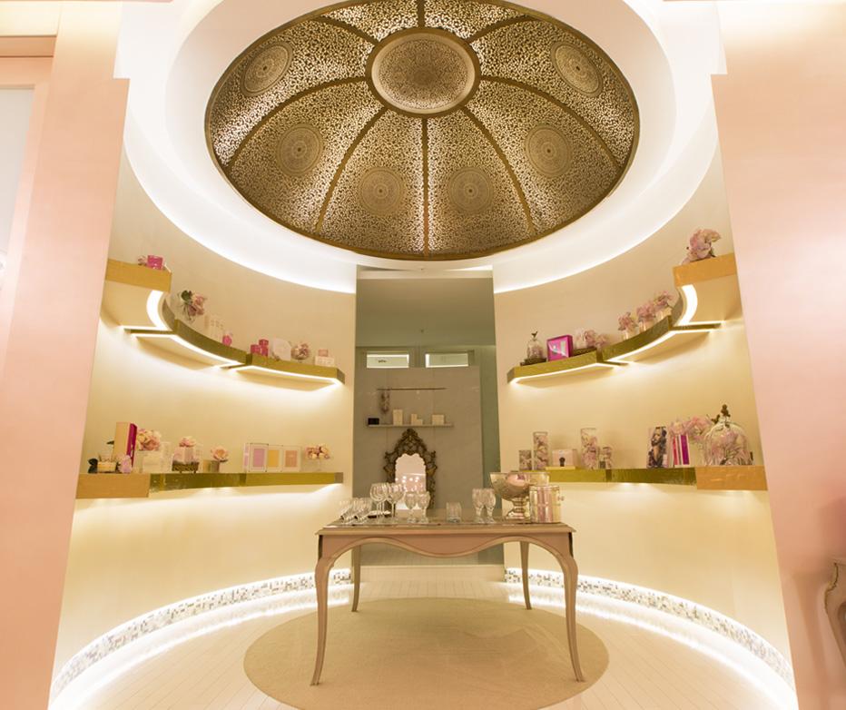Bienvenue dans l 39 univers luxe du morocoo mall for Fenetre sur cour casablanca